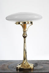 Lampe de table Art Nouveau en laiton brillant. Contract&More.