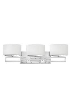 Triple applique de salle de bain Lanza en chrome poli. Elstead Lighting.