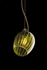 Tulip pendant in green streaked glass. Italamp.