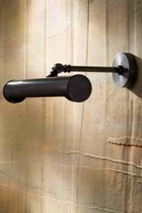 Eclairage pour tableau bronze Picture Light Medium . Nautic by Tekna.