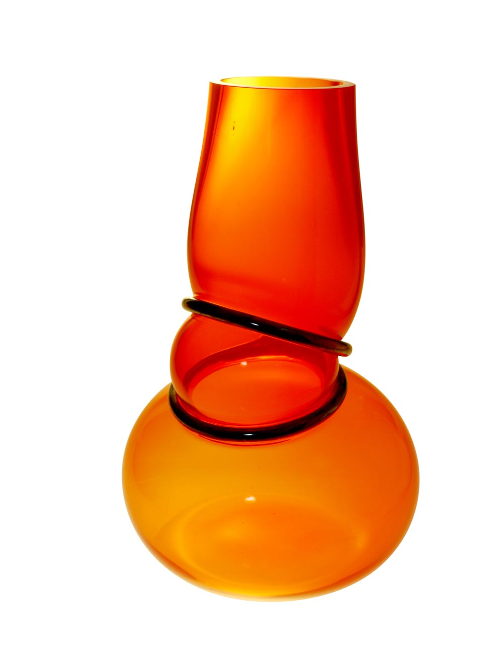 Colors Double Ring vase en verre soufflé orange. Vanessa Mitrani.