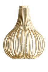 Bulb pendant lamp in natural rattan bulb shape. Vincent Sheppard.